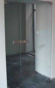 drzwi szklane bezramowe