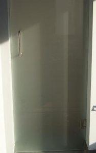drzwi szklane wahadłowe